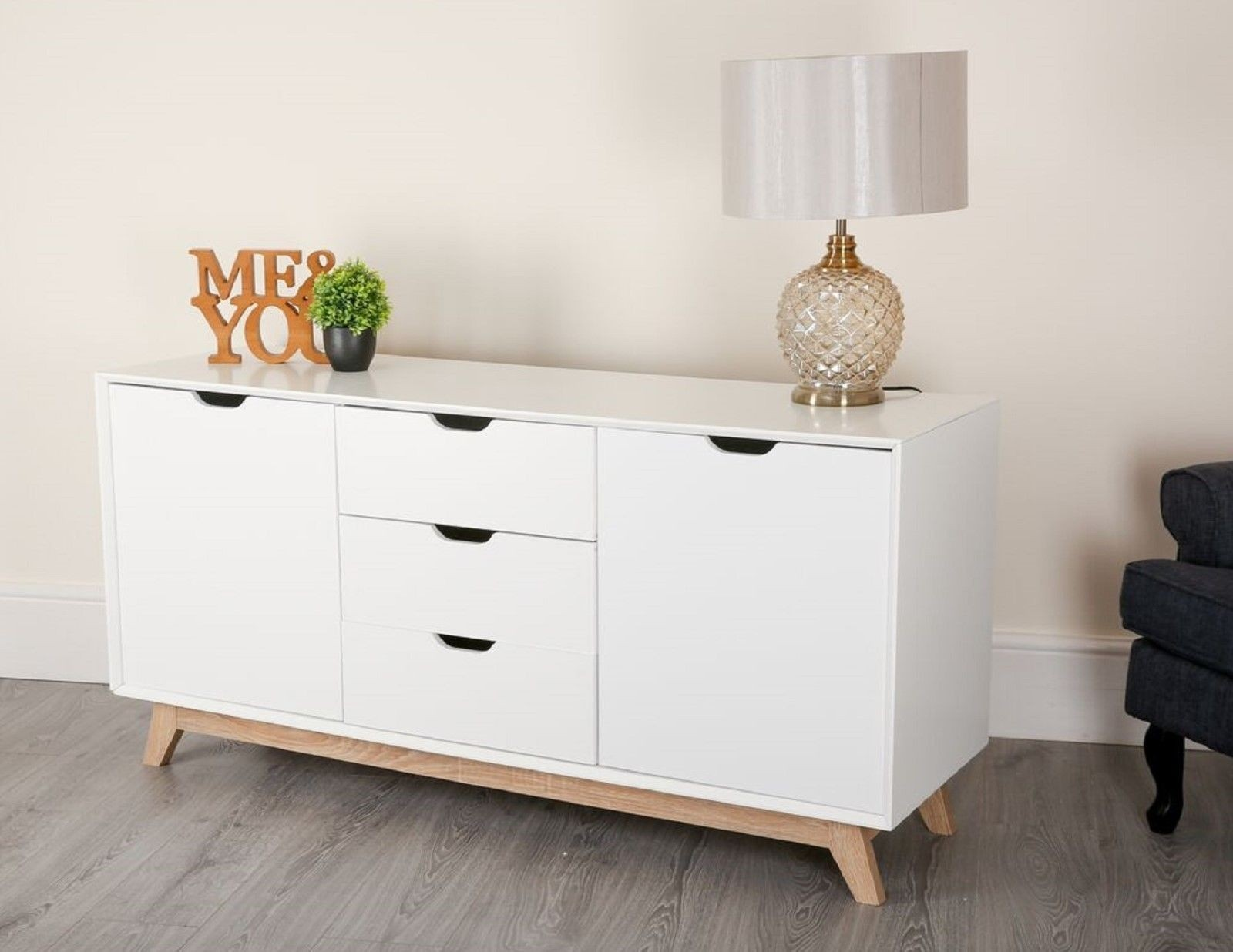 Large 3 drawer 2 door sideboard in white with matt or high for Sideboard scandi