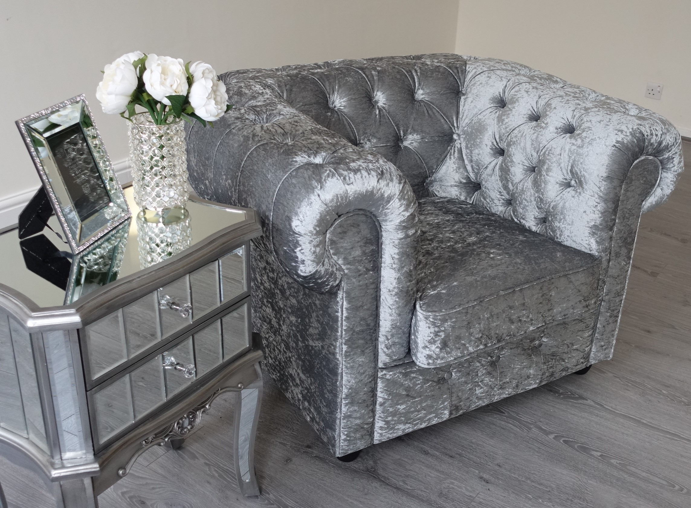 Empire Grey Silver Crushed Velvet Chesterfield Sofa Abreo